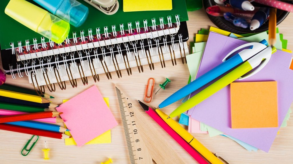 Đồ dùng bút viết, tập vở văn phòng phẩm